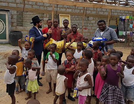 Eyal Mesika - Assisting the local community